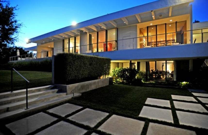 j.aniston-mansion