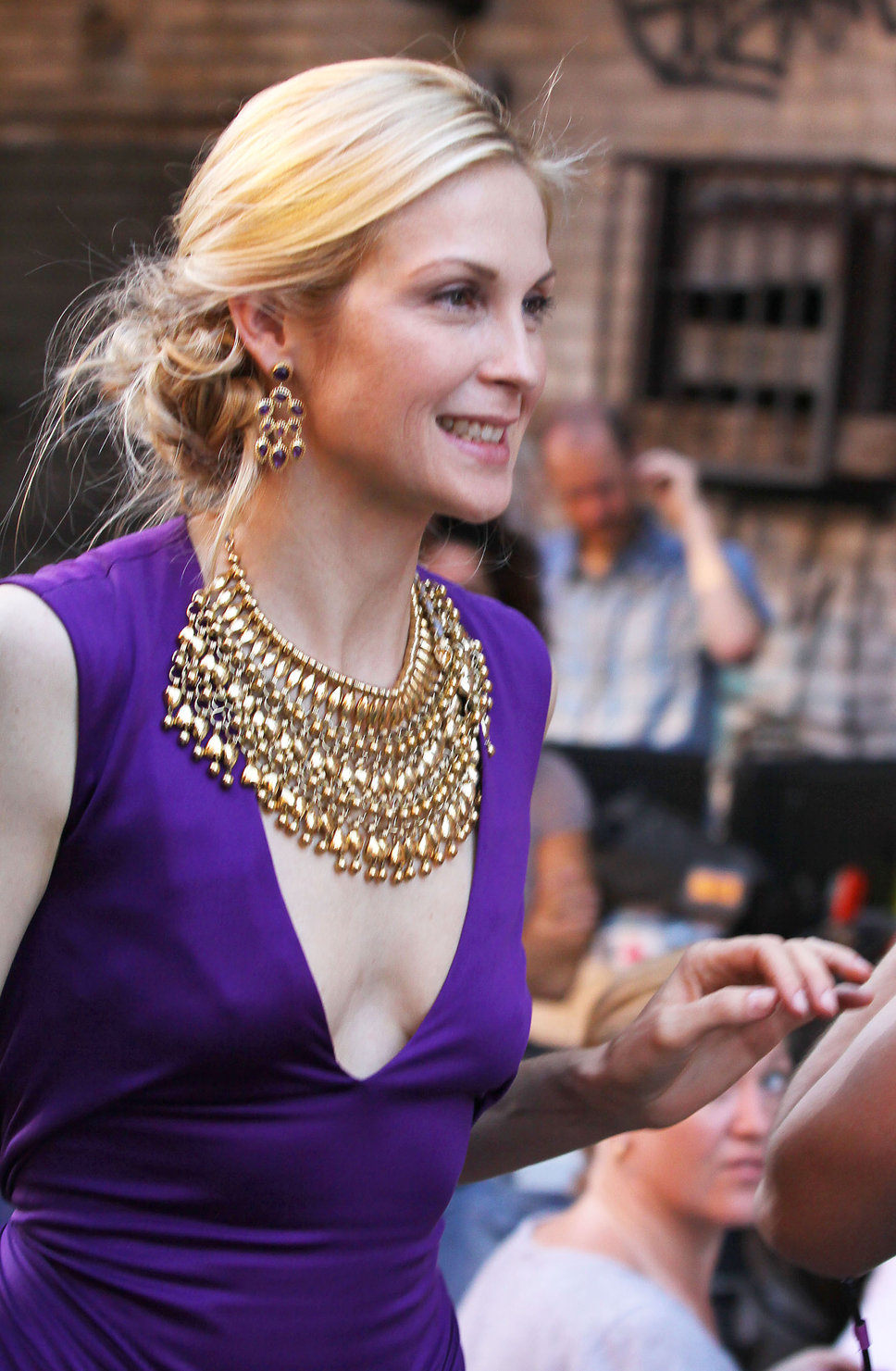 kelly-rutherford-gossip-girl-necklace