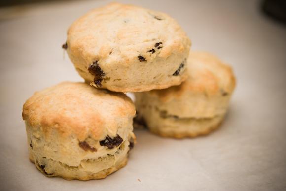 scones-raisins-cover
