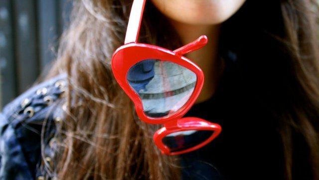 heart-shaped-sunglasses-2