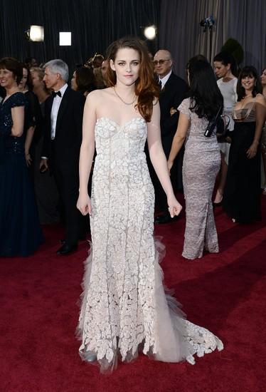 H Kristen Stewart με Reem Acra