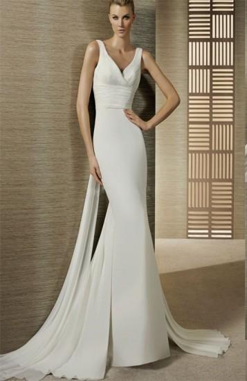 slim-fitting-wedding-gown