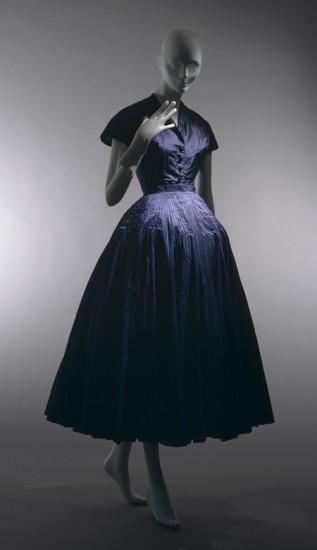 Το New Look σεμιζιέ φόρεμα του Christian Dior