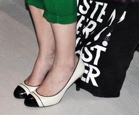d43b775b2bc Άσπρο-μαύρο: Ο κλασσικός συνδυασμός στα πόδια σας   Thats Life. Life ...