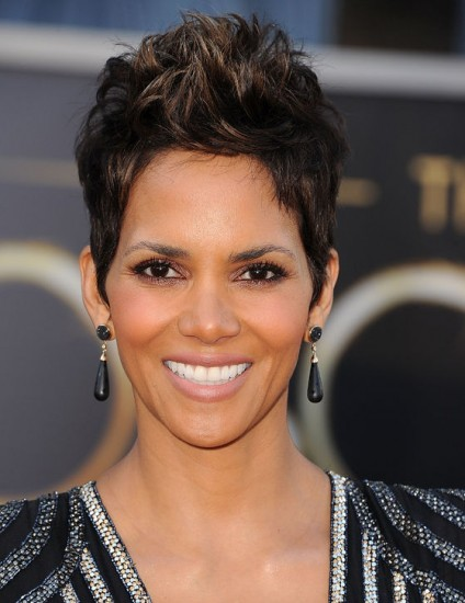 halle-berry-haircut