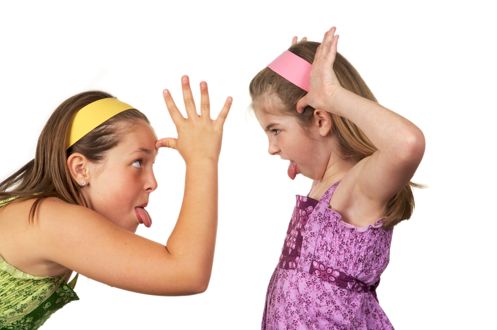 why i help my younger sibling I have noticed bullying between siblings before, and i think it happens because they live together in particular, this applies to one of my best friends and her older sister.