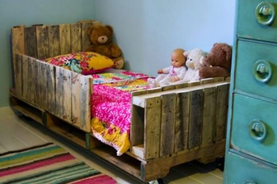pallets-baby-crib