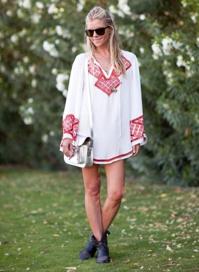 boho-embroided-dress-street-style-1