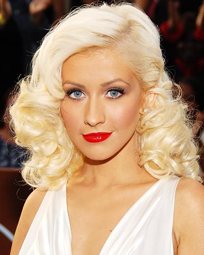 christina-aguirela-red-lips