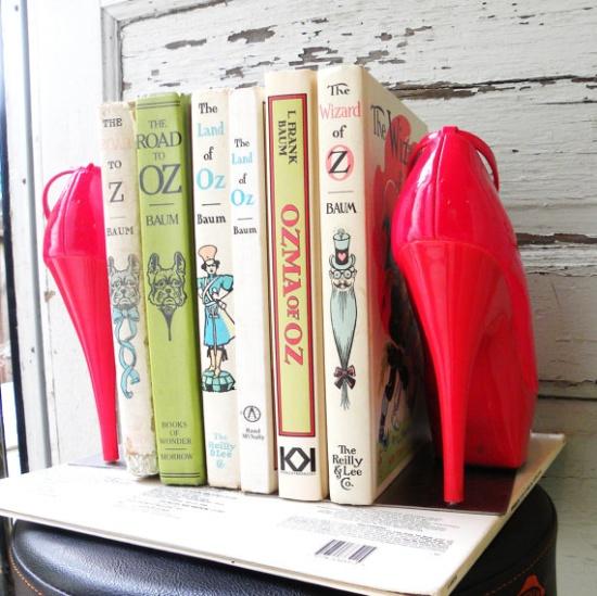heels-bookends