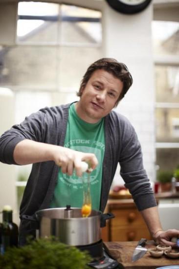 O Jamie Oliver ετοιμάζει πρωινό στο Home Cooker