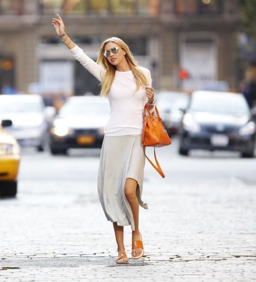 df1b14d9874 ... σκεφτεί μέχρι τώρα αλλά οι τσάντες στα παραπάνω χρώματα ταιριάζουν με  τα περισσότερα ρούχα και παπούτσια σας ειδικά αν έχετε αδυναμία στα  μονόχρωμα ...