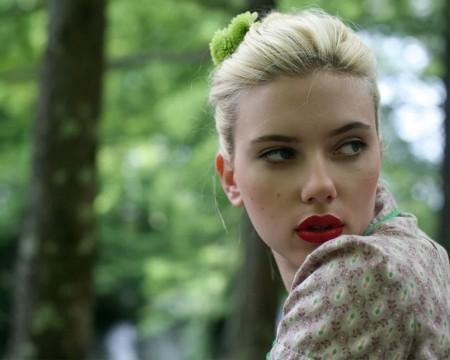 scarlett-johanson-red-lips