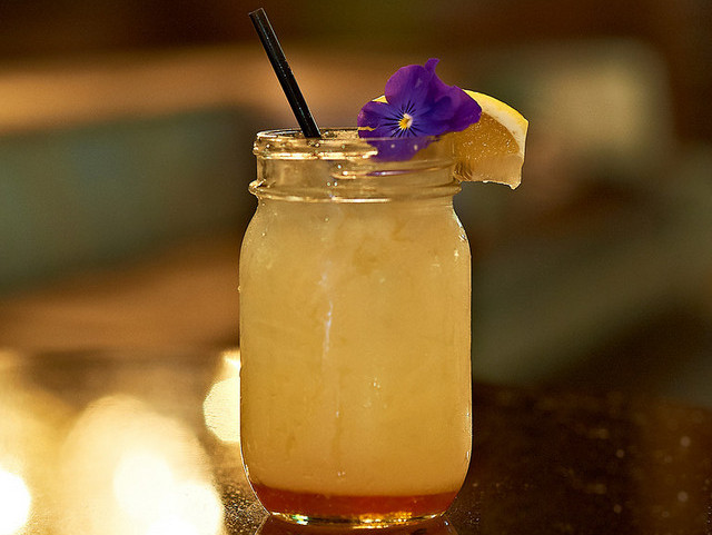 Bees-Knees-Cocktail-2