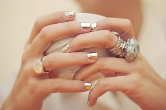 Whitney-Port-Metallic-Nails-Trend-10