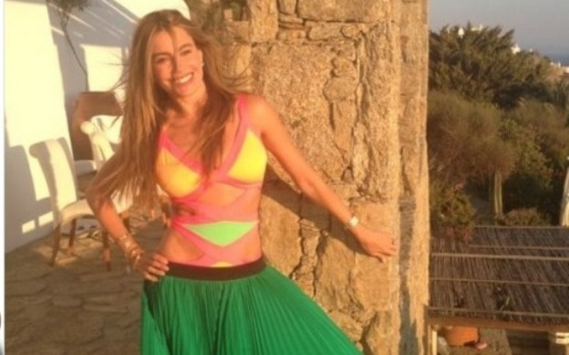 sofia-vergara-summer-look-mykonos