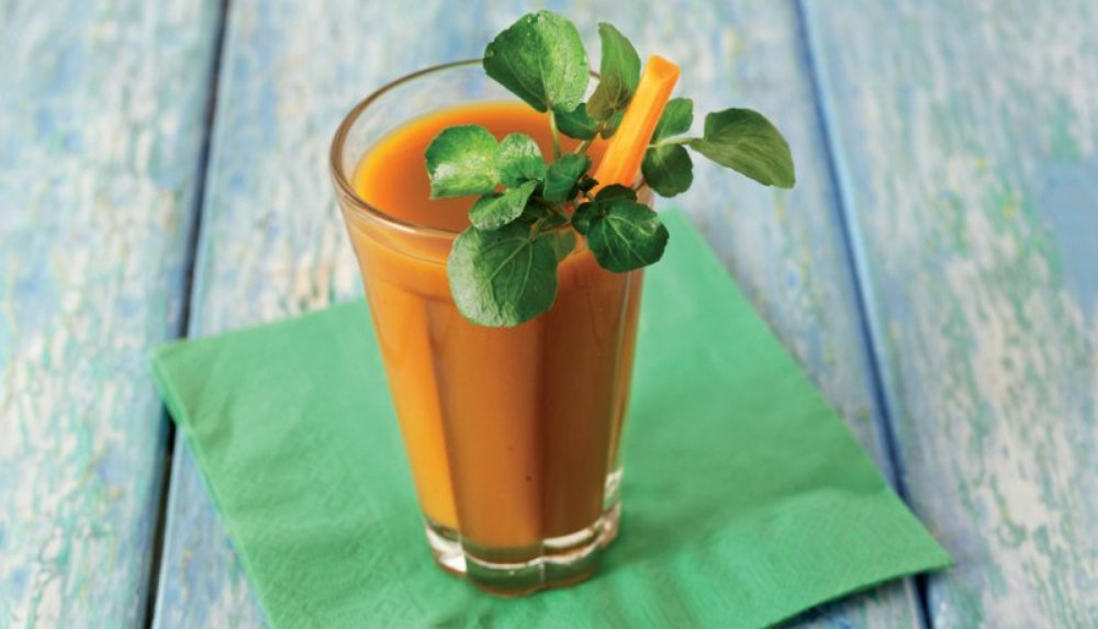 Carrot-tomato-smoothie-2