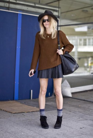 baggy-knit-pleated-leather-skirt