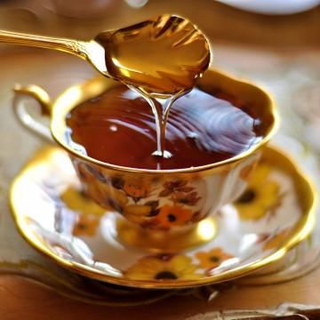 honey-in-tea
