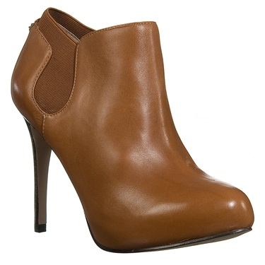 Guess ankle boots με ψηλό τακούνι (200€/Nak Shoes)