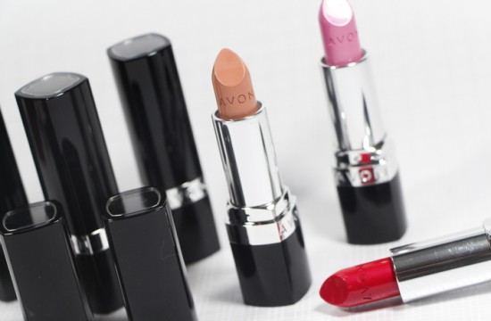 Ultra Color Lipstick της Avon