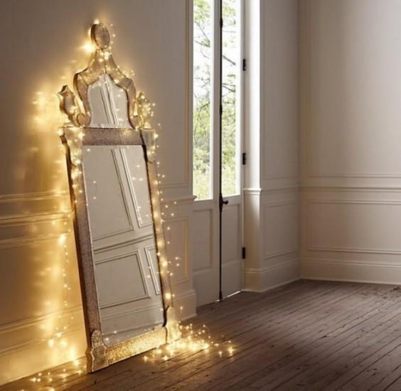 x-mas-lights-mirror