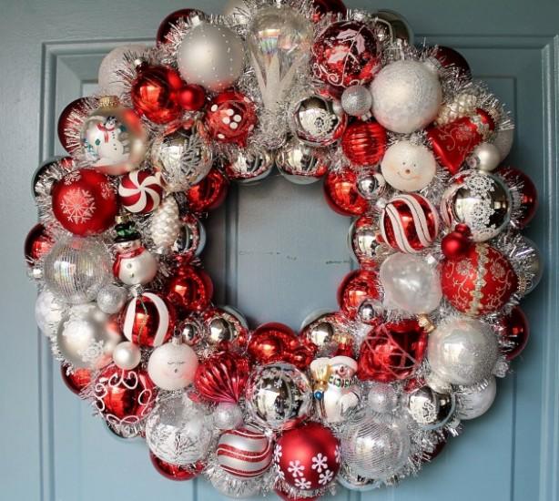 xmas-balls-wreath