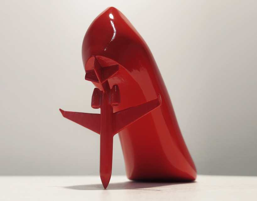 12-shoes-for-12-lovers-by-sebastian-errazuriz-designboom-main
