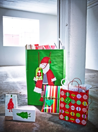 SNÖMYS τσάντα δώρου, Άγιος Βασίλης 2,99€/12 τεμ. SNÖMYS τσάντα δώρου 2,99€