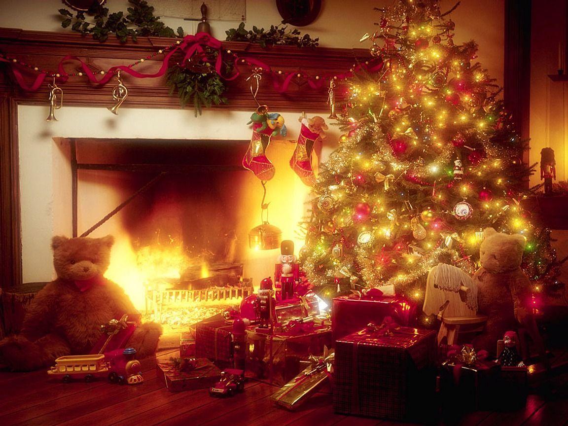 stxmco001christmas_tree__fireplace