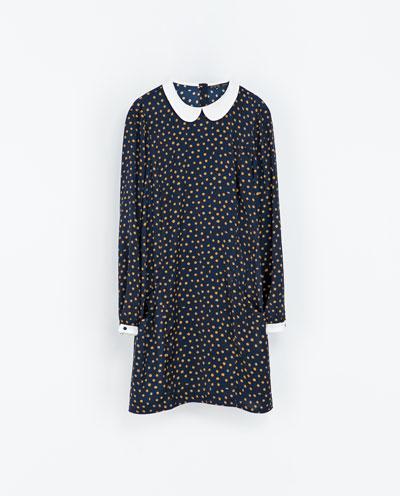 Casual Φόρεμα με ασύμμετρα πουά Zara (35,95€)