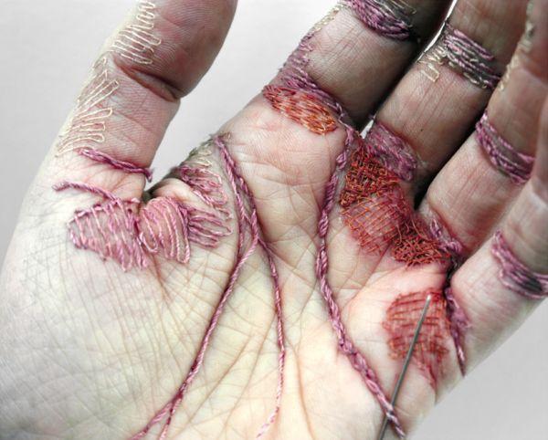 embroidered-hand-sculpture-by-eliza-bennett