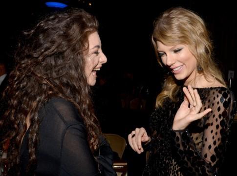 H Lorde με τη φίλη της Taylor Swift στο pre-Grammy gala