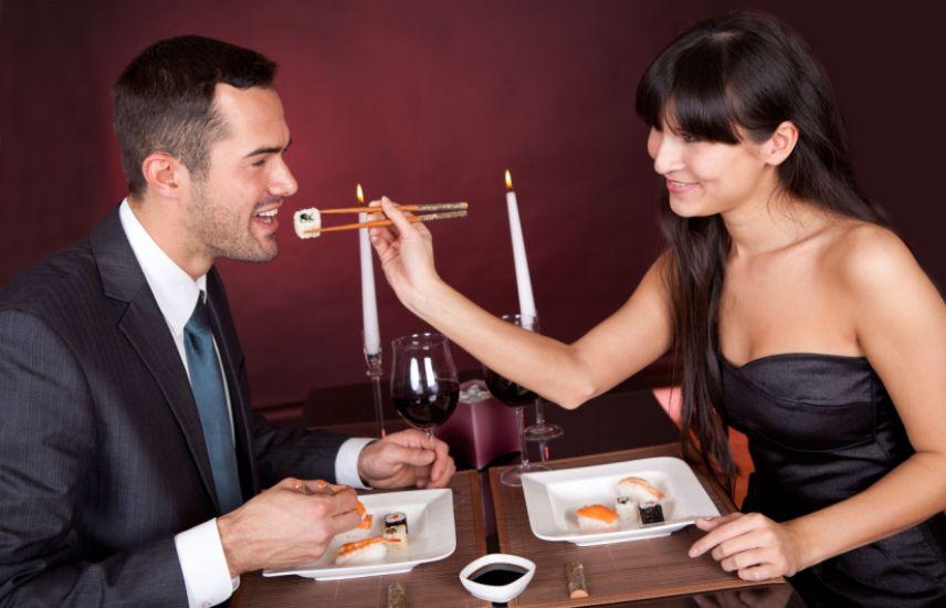 couple-dinner-date
