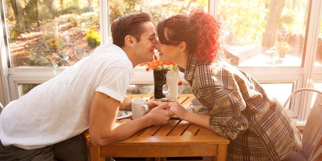 couple-morning-coffee