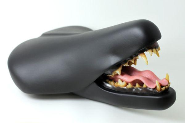 Bike-Seat-with-Teeth_2
