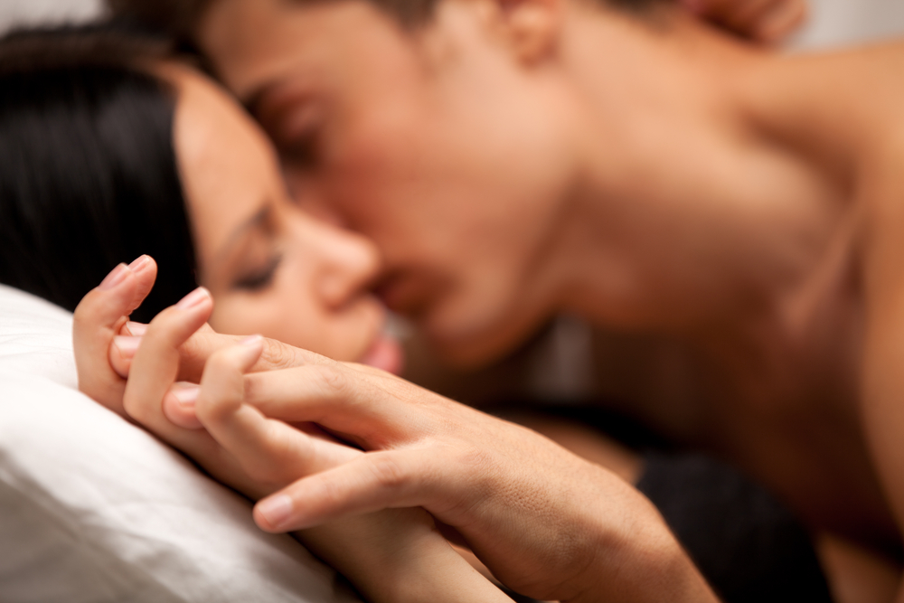 Couple-Sex-Hands