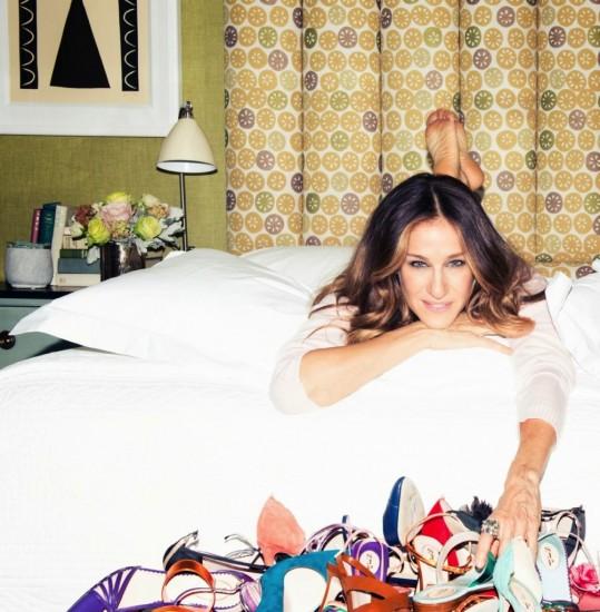 Η Sarah Jessica Parker παρουσιάζει τη συλλογή των παπουτσιών της