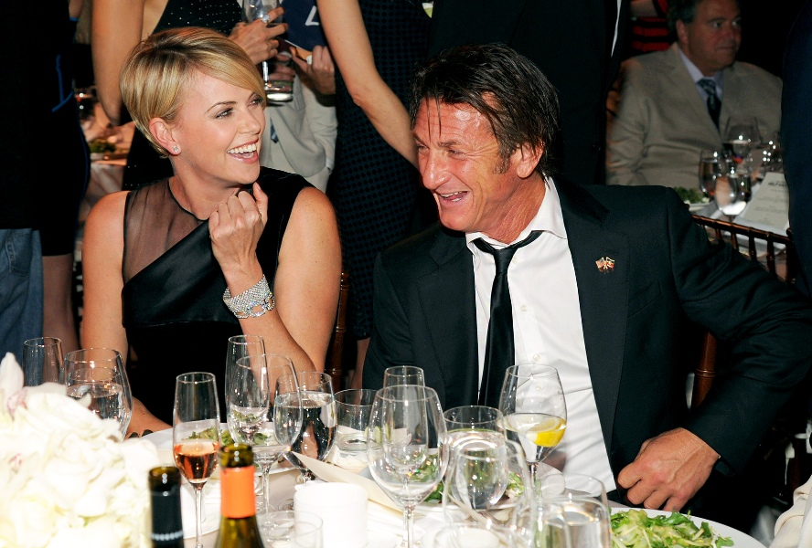 charlize-theron-sean-penn-1