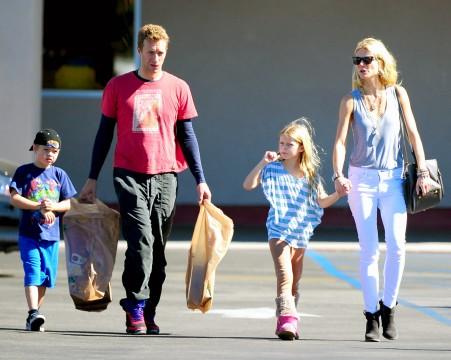 H Gwyneth Paltrow και ο Chris Martin με τα παιδιά τους