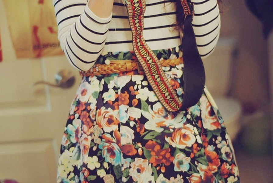 striped-blouse-floral-skirt