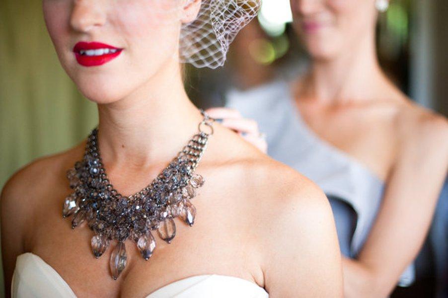 statement-necklace-_-bride-3