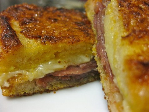 toast-jamon-cheese