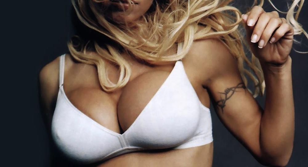 Pamela-Anderson-80