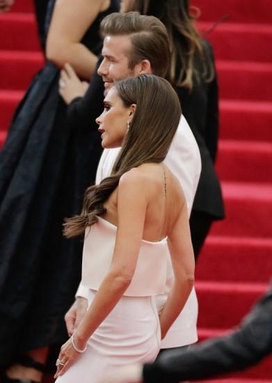 Πλαϊνή όψη του hair look της Victoria Beckham στο φετινό Met Ball 2014
