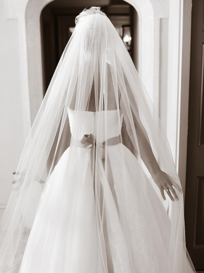 Classic-Veil-Shot-From-Behind