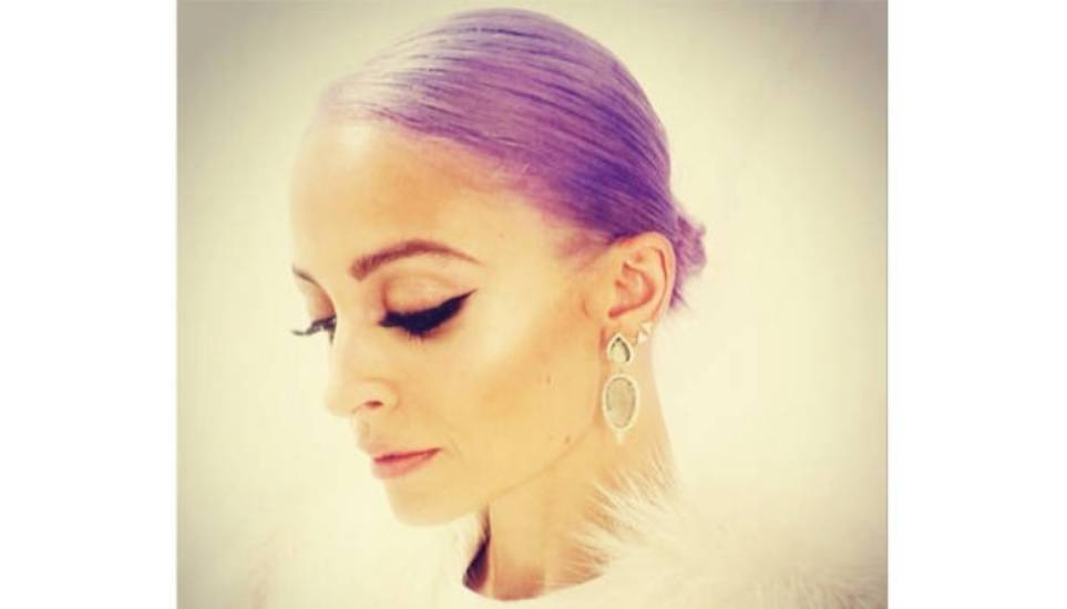 To μοβ αγάπησε και η Nicole Richie @nicolerichie: About last night...