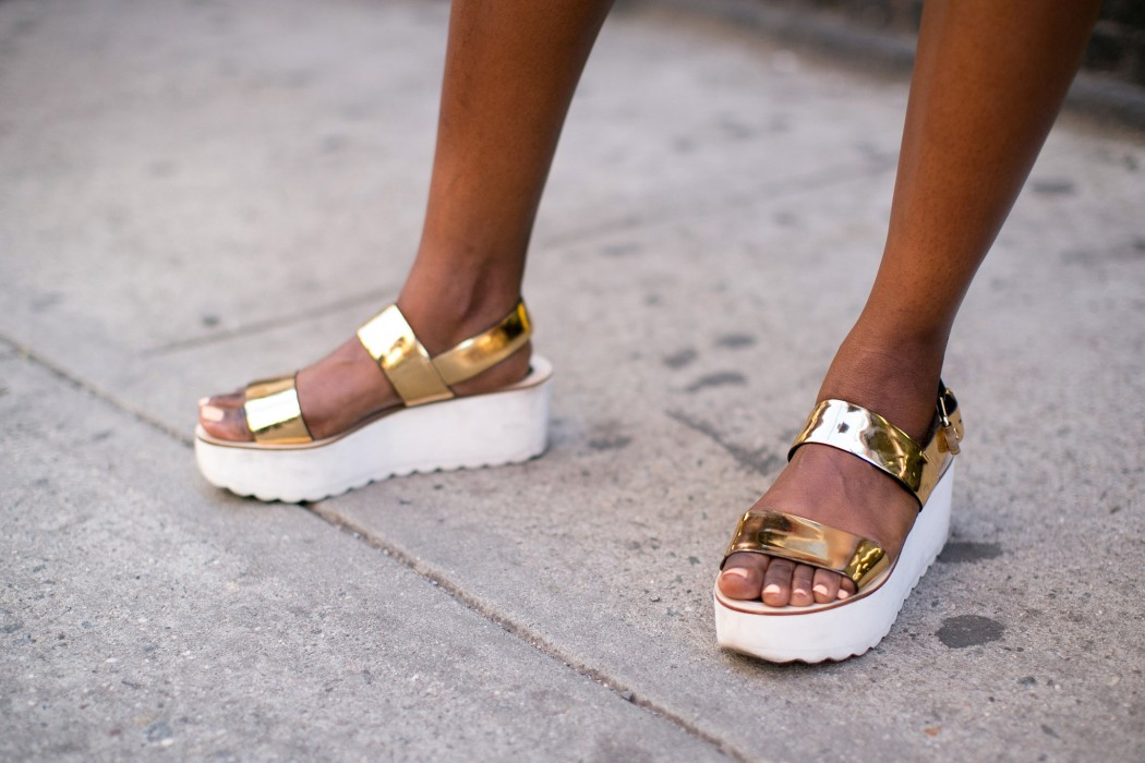 Flatforms-metallic-gold-finish-were-made-turning-heads