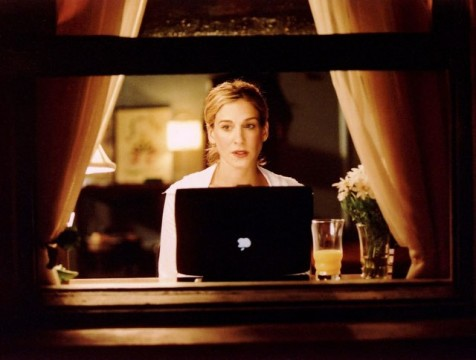 carrie-bradshaw-mac-laptop