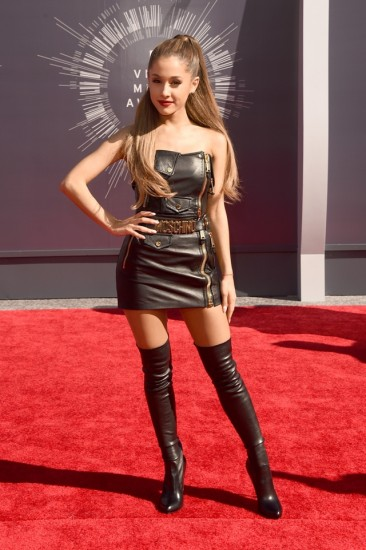Ariana-Grande-VMAs-2014